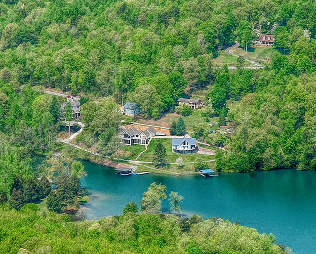 Norris Crest Vacation Homes on Norris Lake